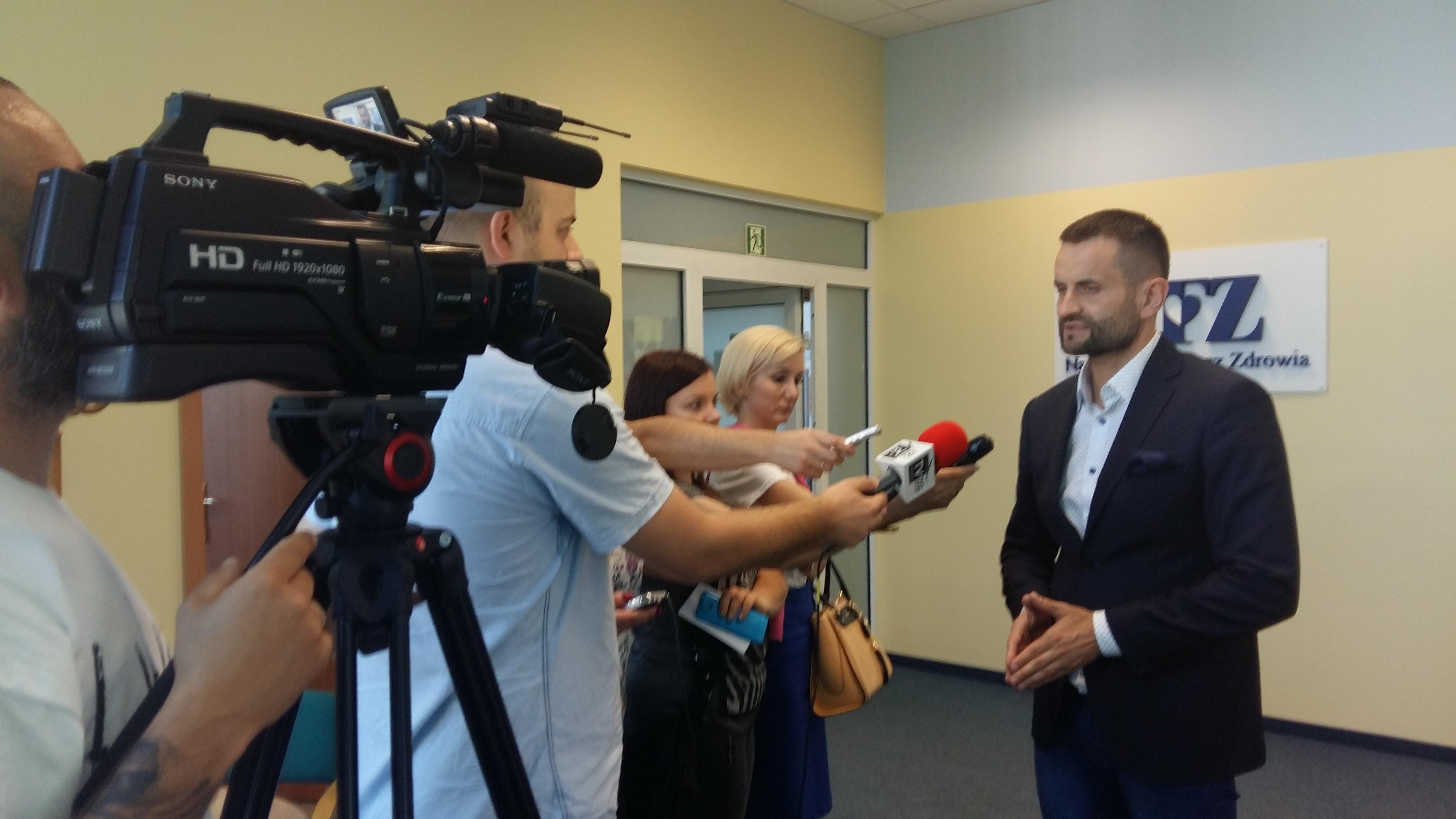 Ilustracja do informacji: Briefing prasowy LOW NFZ dotyczący nadużywania leków