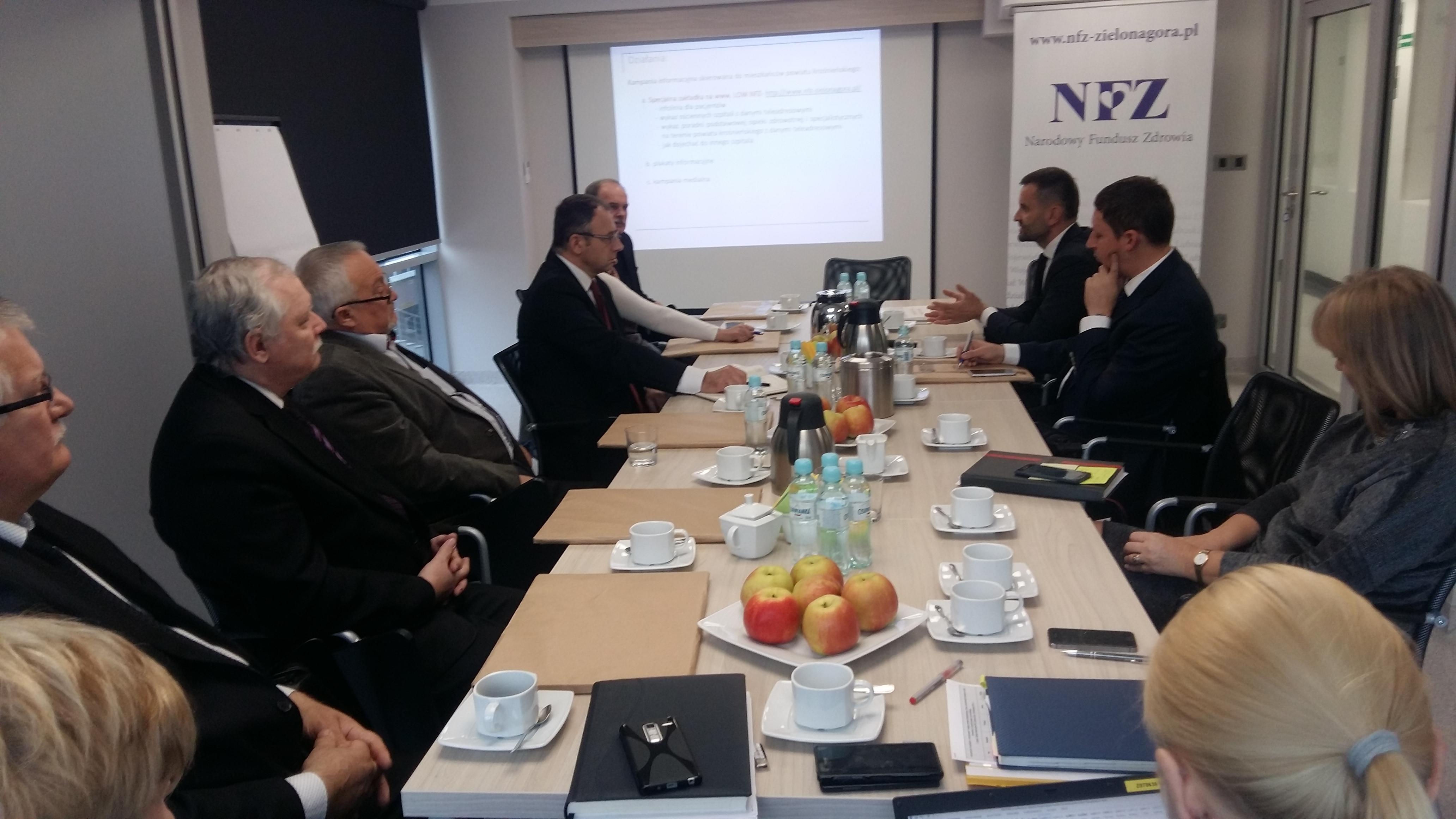 Ilustracja do informacji: Spotkanie z burmistrzami i wójtami powiatu krośnieńskiego