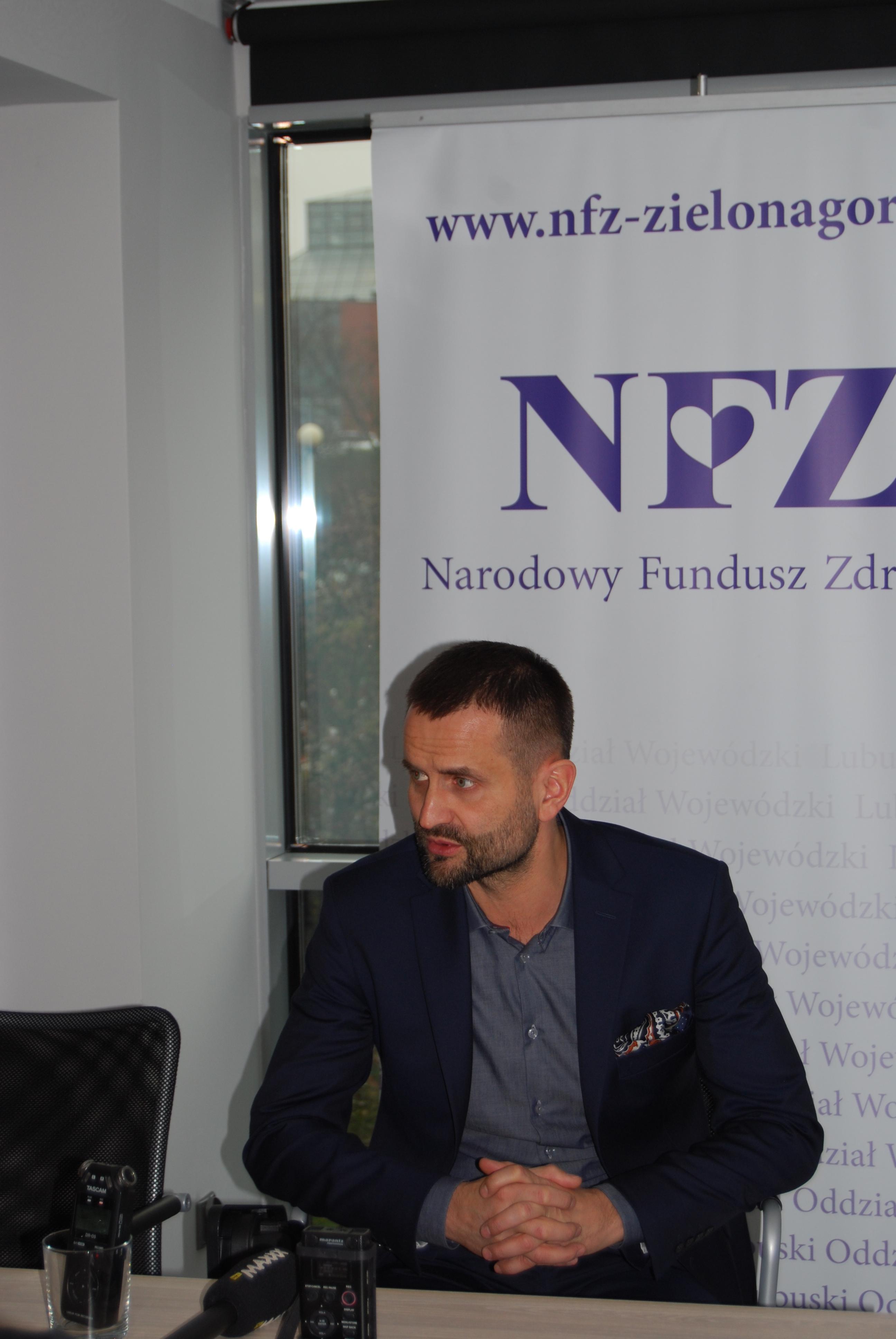 Ilustracja do informacji: Konferencja prasowa na temat zmian w zabezpieczeniu świadczeń opieki zdrowotnej dla mieszkańców powiatu krośnieńskiego