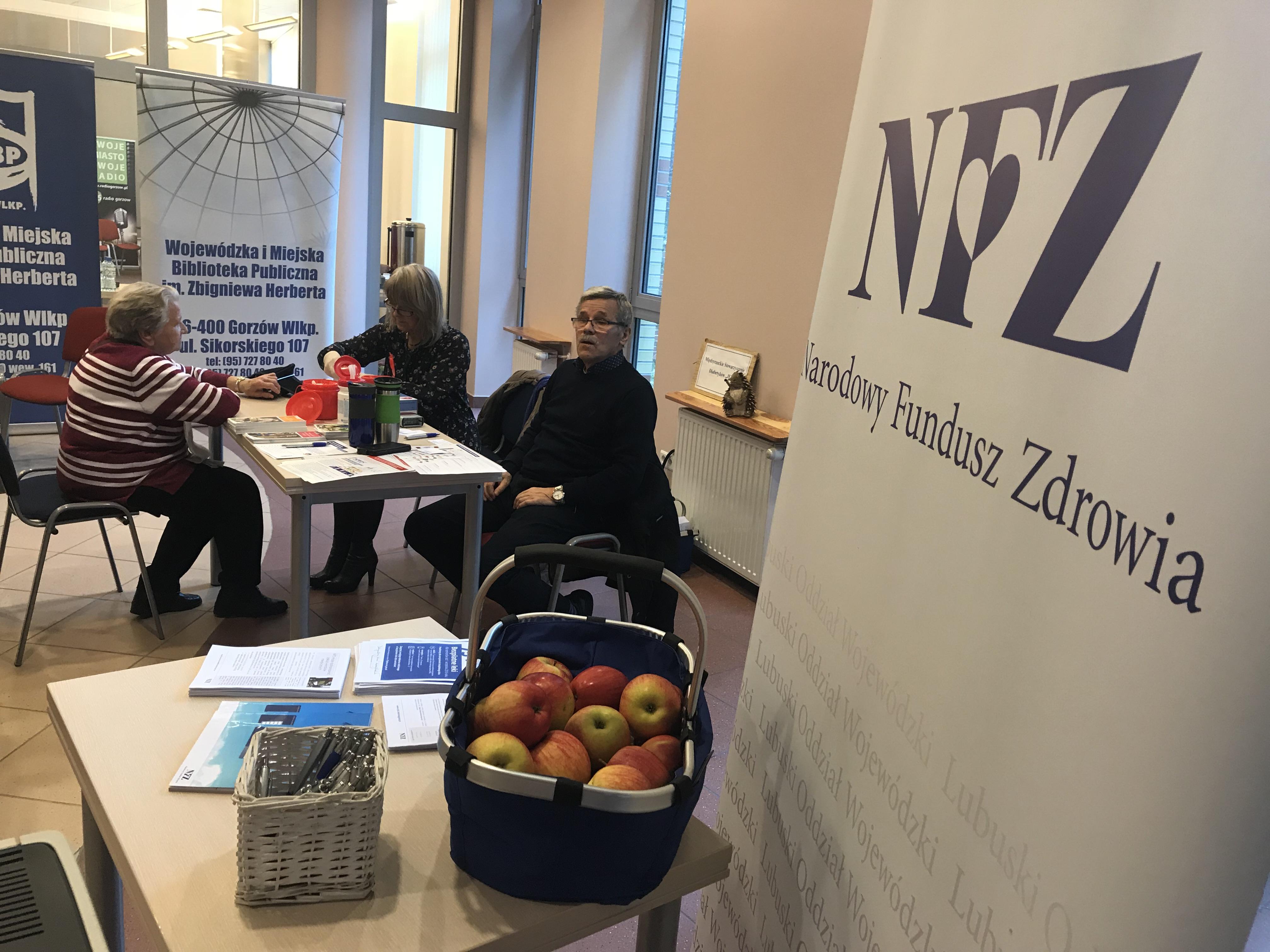 """Ilustracja do informacji: LOW NFZ podczas """"Gorzowskiej Jesieni Seniora"""""""