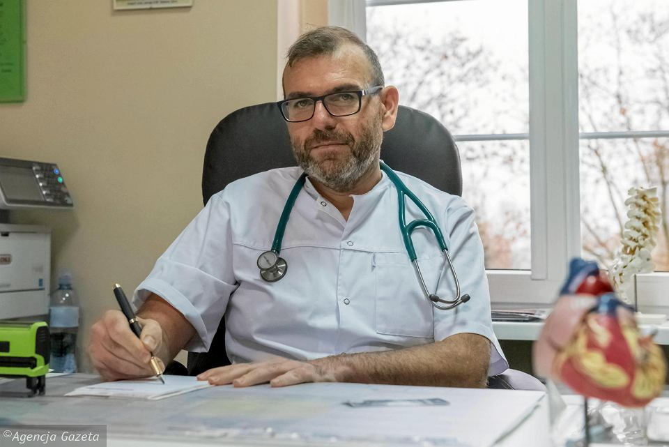 Ilustracja do informacji: Lekarz rodzinny Tomasz Kremer: Męskie choroby? Pogadamy jak zejdziesz z kanapy!