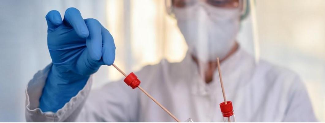 Ilustracja do informacji: Sprawdź gdzie działają punkty pobrań wymazów do wykonania testu na obecność koronawirusa u osób przebywających w kwarantannie.